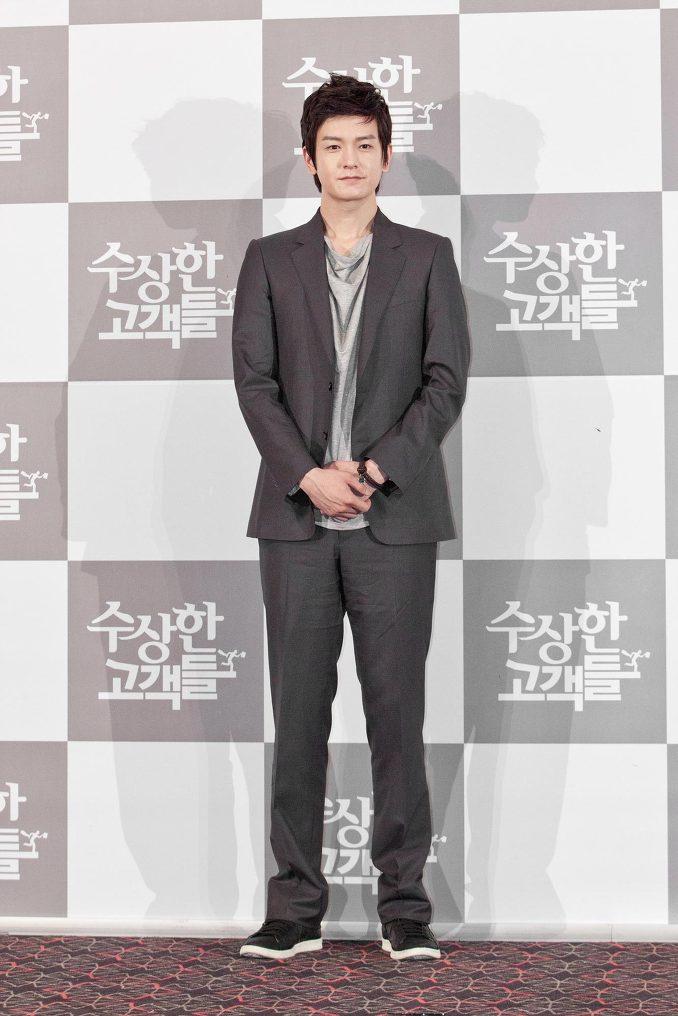 임주환 2011 영화 수상한 고객들 시사회 08